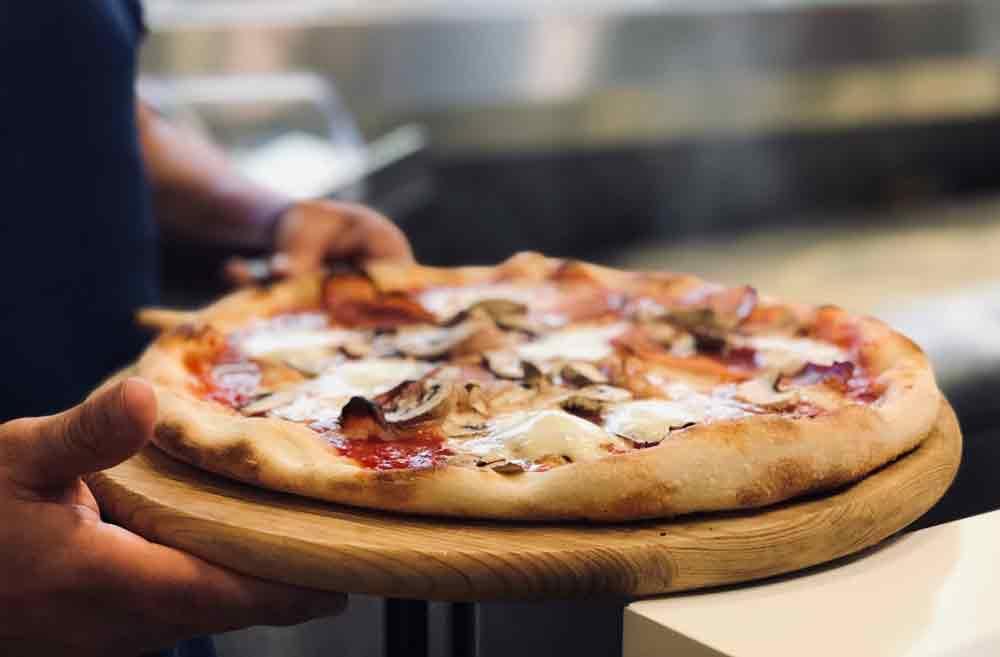 Receita fácil de pizza low carb para o jantar . Foto: Pexel